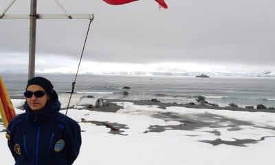 La piloto e historiadora colombiana Natalia Jaramillo, mapeadora de la Antártida. FOTO: @CCO_Antartica