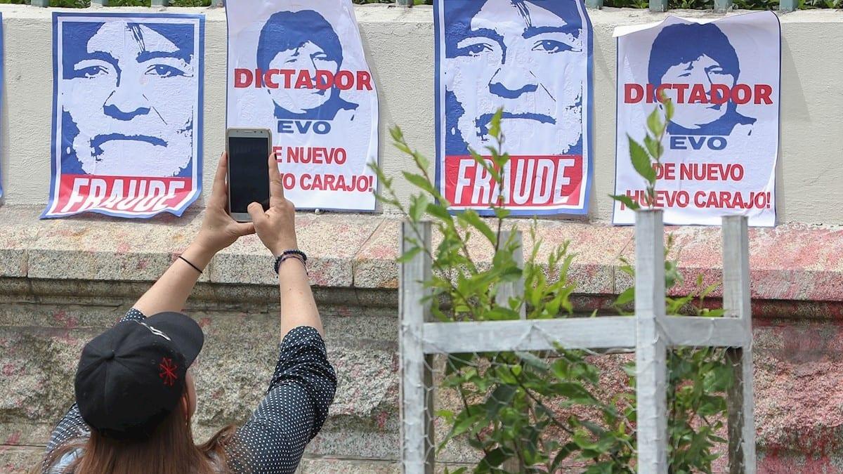 Bolivia completa tres semanas de protestas tras el presunto fraude en la reelección de Evo Morales