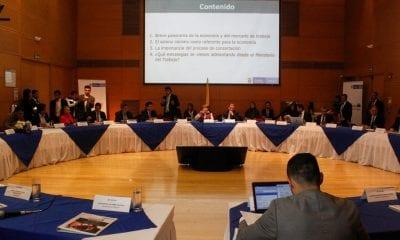 Mesa de negociación del salario mínimo / Foto: Mintrabajo