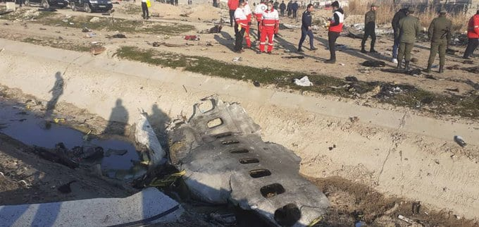 El Boeing 737 de la aerolínea ucraniana UIA había partido de Teherán con destino a Kiev. Una falla en la aeronave habría ocasionado el accidente.