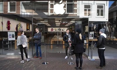 Apple cierra sus tiendas en el mundo