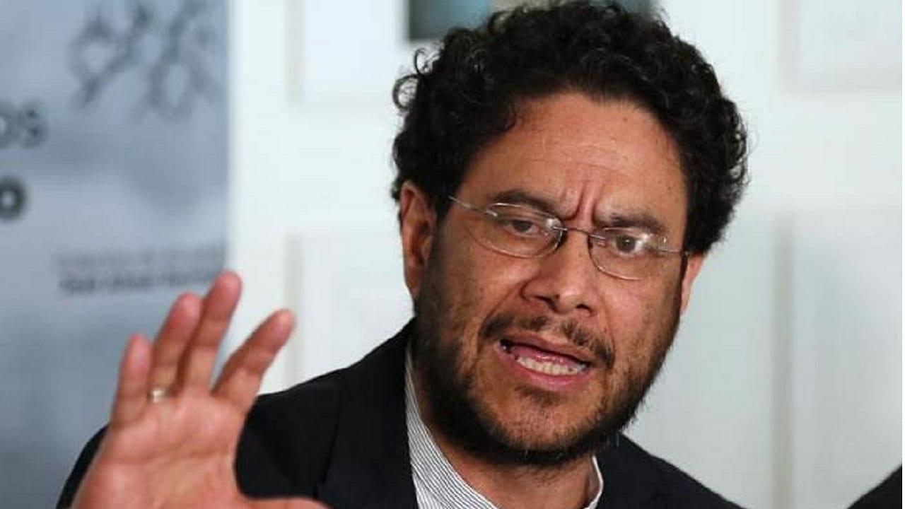Senador Iván Cepeda propone que se transfiera $1 billón del sector ...