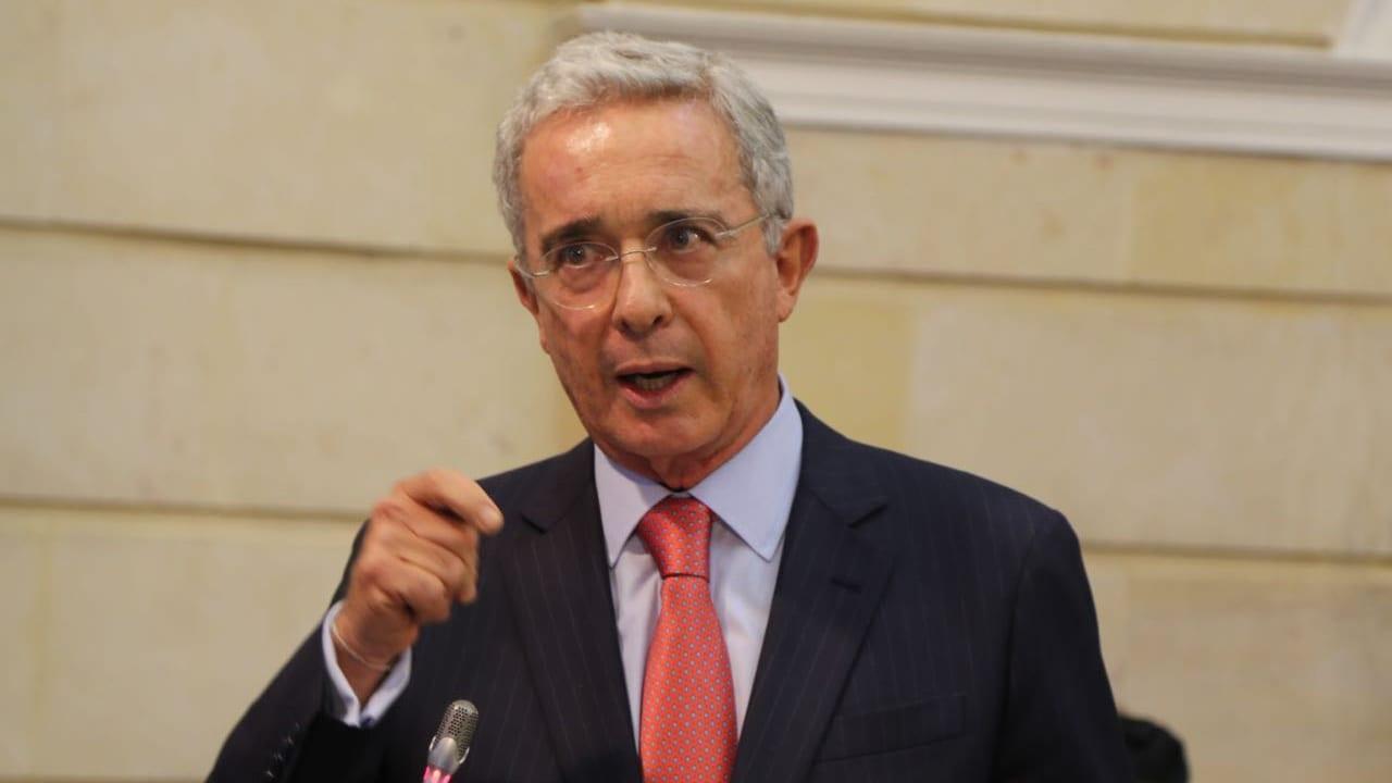 Sin los $90 billones que se requieren en 2021, no hay cómo pagar salarios  del Estado': Uribe - Forbes Colombia