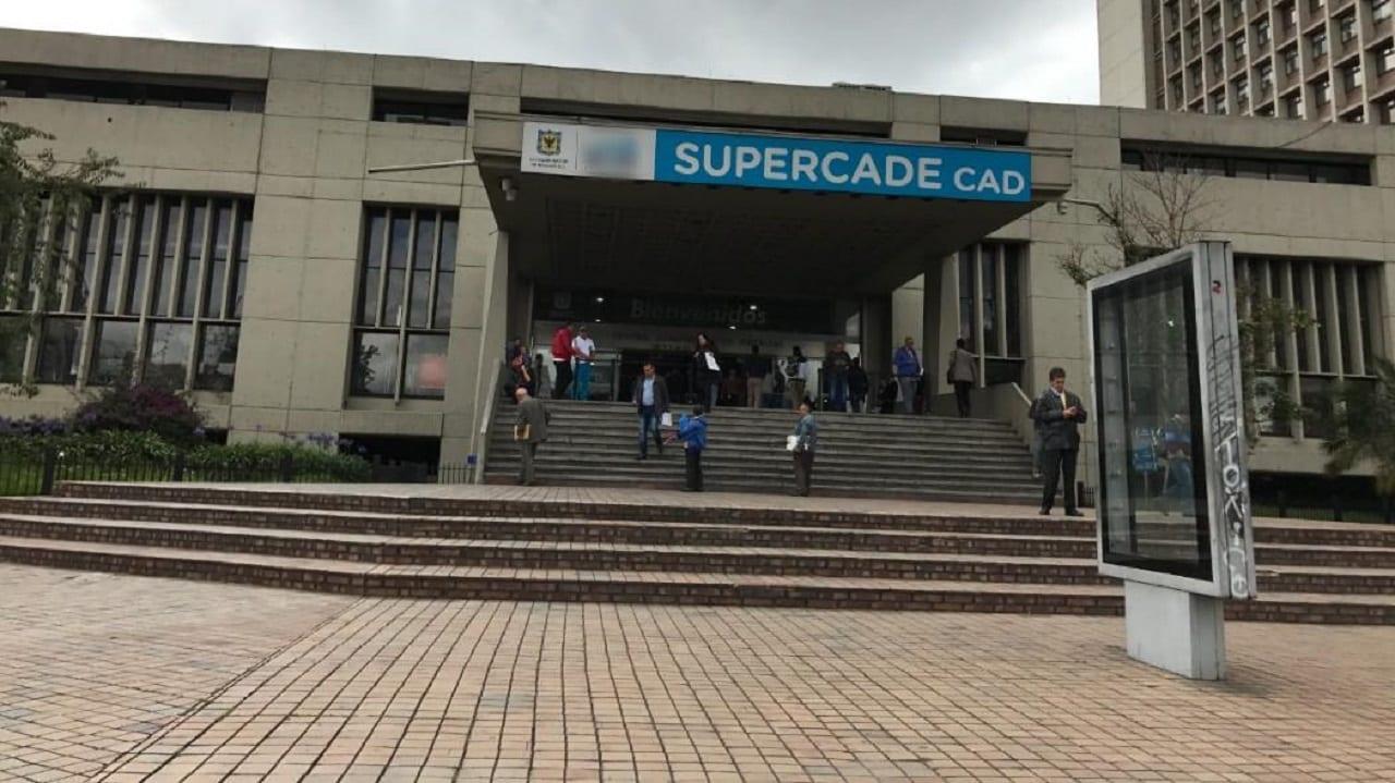 Si va a visitar un SuperCADE debe tener en cuenta lo siguiente
