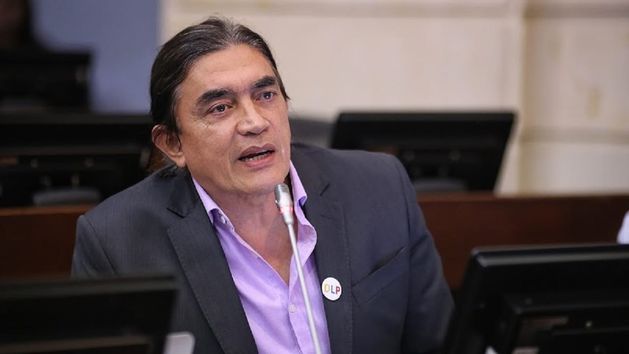 Gustavo Bolívar propone que a congresistas les paguen por cada sesión -  Forbes Colombia