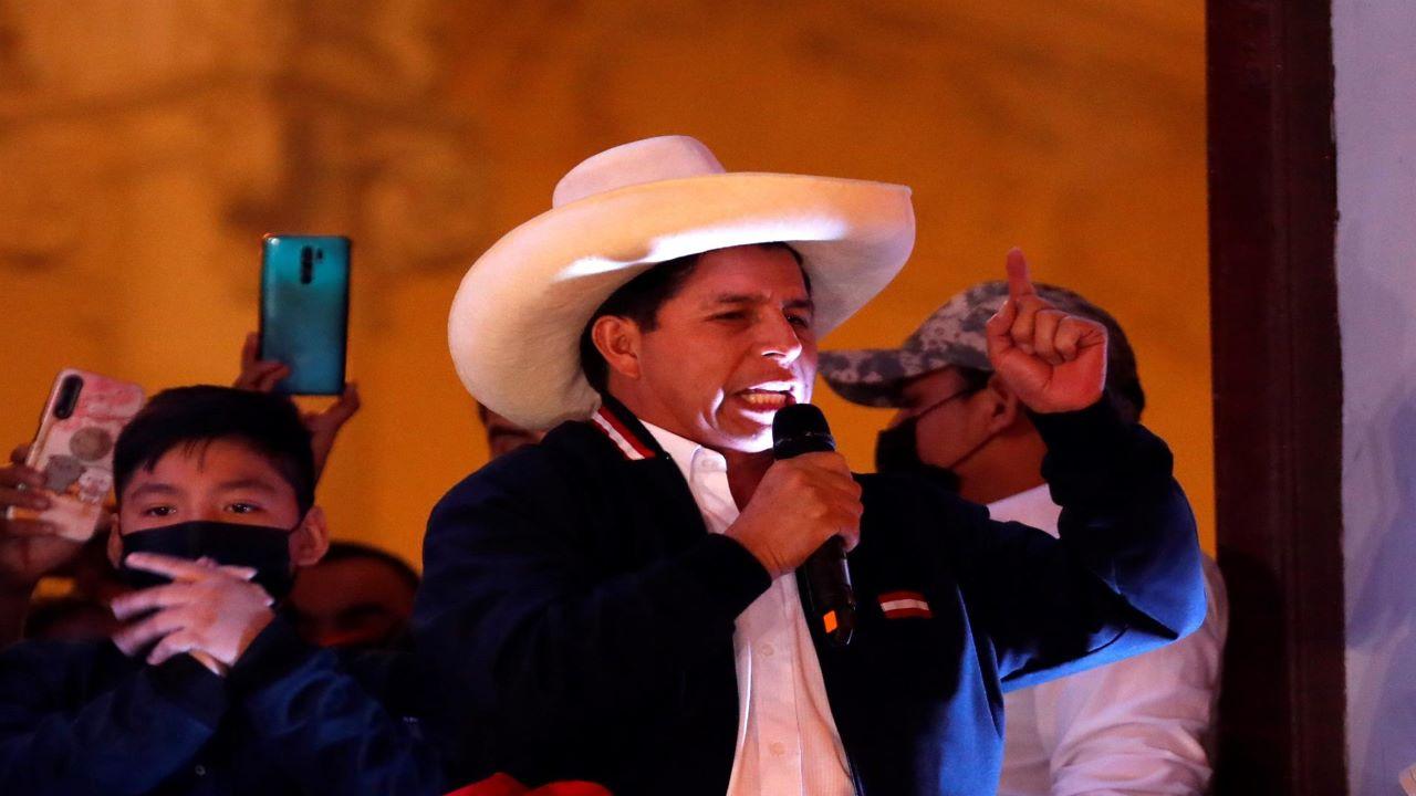 Pedro Castillo también aseguró que renunciará a su sueldo de presidente. Asumirá el cargo el próximo 28 de julio.