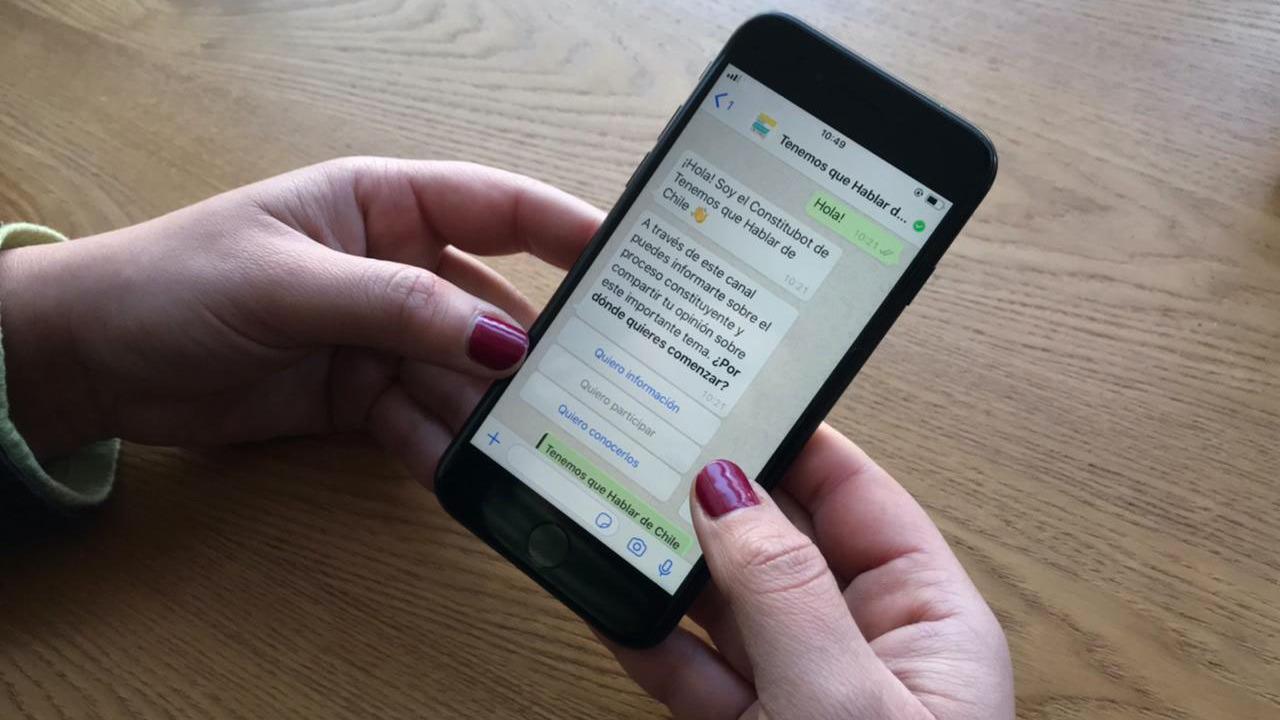 Chile: WhatsApp lanza 'chatbot' sobre proceso constituyente, el primero de su tipo en el mundo