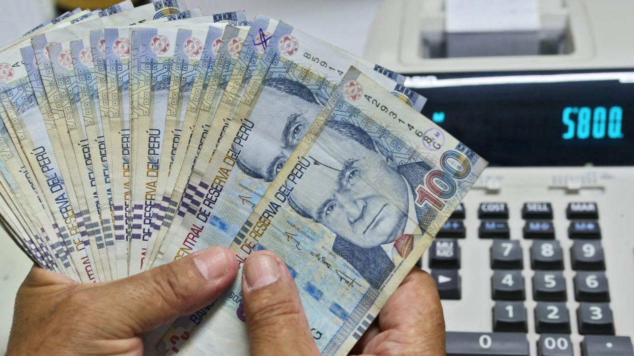 Perú: Sol al alza y bonos a la baja tras asunción del ministro de Economía de Castillo