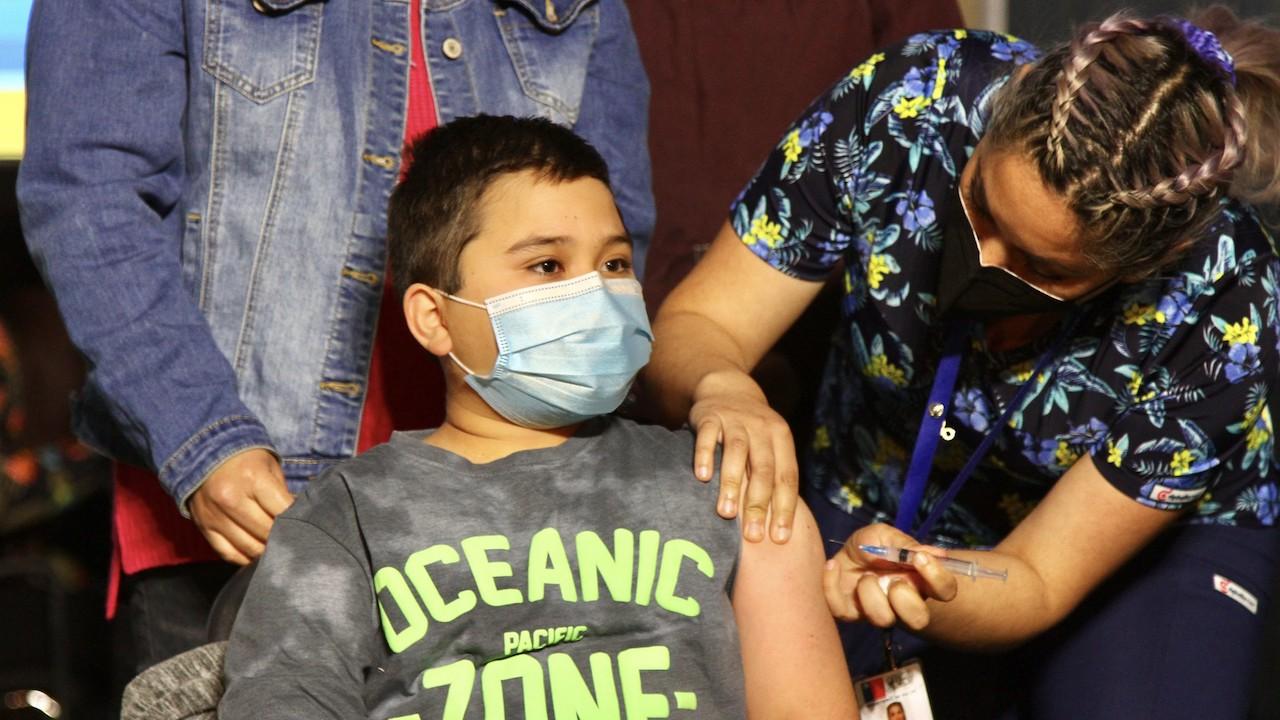 COVID-19: Chile inició la vacunación de menores desde los seis años de edad