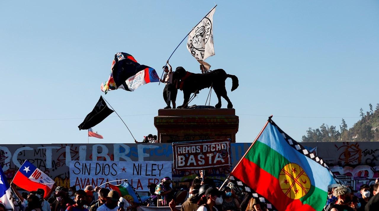 Chile: aniversario de revuelta social termina con incidentes violentos